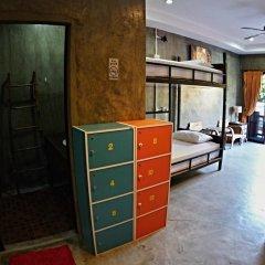 Narakarn Hostel Кровать в общем номере с двухъярусной кроватью фото 3