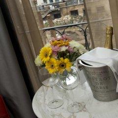Отель Torre Argentina Relais - Residenze di Charme 3* Стандартный семейный номер с двуспальной кроватью фото 5