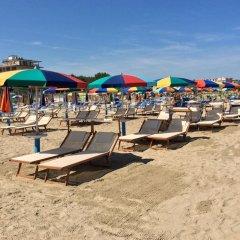 Отель Riva e Mare Италия, Римини - отзывы, цены и фото номеров - забронировать отель Riva e Mare онлайн пляж фото 2