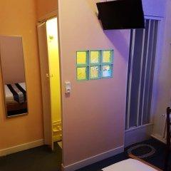 Отель Hôtel Le Petit Château 2* Стандартный номер с разными типами кроватей фото 4