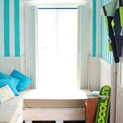 Отель Chill in Ericeira Surf House Улучшенный номер с различными типами кроватей фото 8
