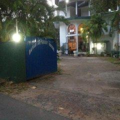 Отель Bavarian Guest House Шри-Ланка, Берувела - отзывы, цены и фото номеров - забронировать отель Bavarian Guest House онлайн парковка
