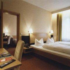 Hotel Jedermann 2* Стандартный семейный номер с двуспальной кроватью фото 5