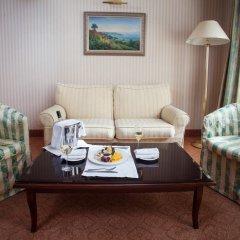 Гостиница Отрада 5* Стандартный номер на цокольном этаже с двуспальной кроватью фото 4
