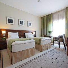 Capital Plaza Hotel 4* Стандартный номер с различными типами кроватей фото 3