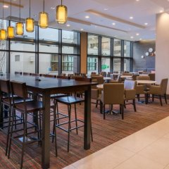 Отель Residence Inn by Marriott Seattle University District гостиничный бар