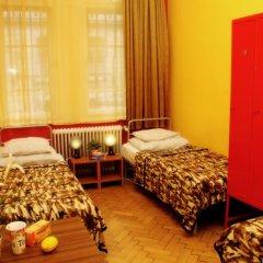 Budapest Budget Hostel Стандартный номер с различными типами кроватей (общая ванная комната) фото 17