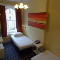 Manor Hotel 2* Стандартный номер с 2 отдельными кроватями (общая ванная комната) фото 3