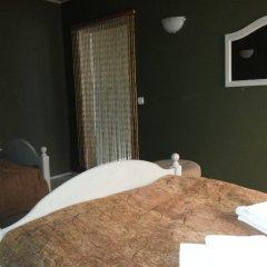 Гостиница 4 Peaks Guest House Стандартный семейный номер с двуспальной кроватью фото 3