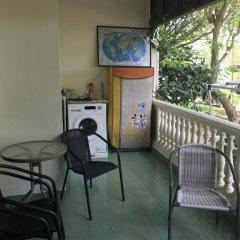 Отель Baan Somprasong Condominium балкон
