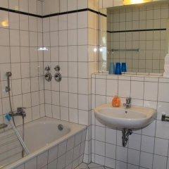 Отель in Dresden am Elbufer Германия, Дрезден - отзывы, цены и фото номеров - забронировать отель in Dresden am Elbufer онлайн ванная