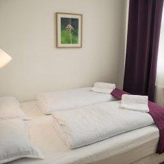 Отель The Capital-Inn Кровать в общем номере с двухъярусной кроватью фото 9