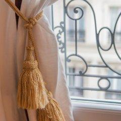 Отель Chambres d'hotes La Maison Hippolyte в номере