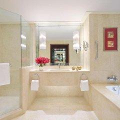 Отель Anantara Siam Bangkok 5* Улучшенный номер с разными типами кроватей фото 2