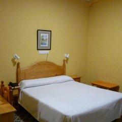 Отель Hostal Sierpes Стандартный номер с различными типами кроватей фото 9