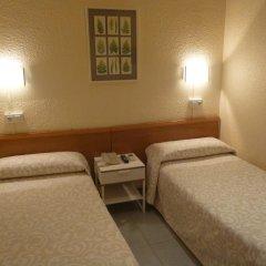Aneto Hotel Стандартный номер с 2 отдельными кроватями (общая ванная комната) фото 4