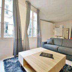 Отель Appartement Saint Germain - Quais de Seine Париж комната для гостей фото 2