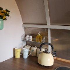 Отель The Little Hide - Grown Up Glamping Стандартный номер с различными типами кроватей фото 8