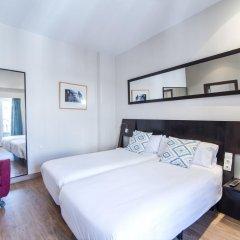 Отель Petit Palace Plaza de la Reina 3* Стандартный номер фото 2