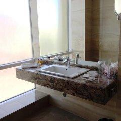 Отель Golden Tulip Varna Болгария, Варна - отзывы, цены и фото номеров - забронировать отель Golden Tulip Varna онлайн ванная