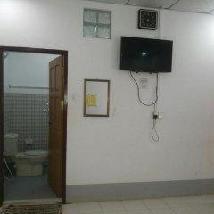 Отель Naung Yoe Motel Улучшенный номер с различными типами кроватей