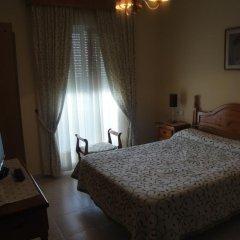 Отель Hostal Málaga Стандартный номер с различными типами кроватей