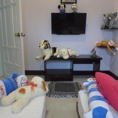 Отель The Moon Villa Hoi An 2* Стандартный семейный номер с различными типами кроватей фото 3