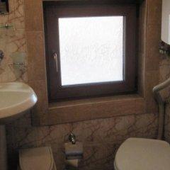 Отель Semerdzhievi Guest Rooms Болгария, Банско - отзывы, цены и фото номеров - забронировать отель Semerdzhievi Guest Rooms онлайн ванная
