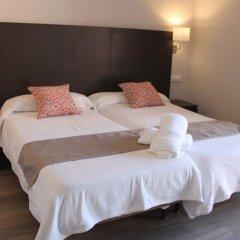 Отель Hostal Jakiton Улучшенный номер с различными типами кроватей фото 5