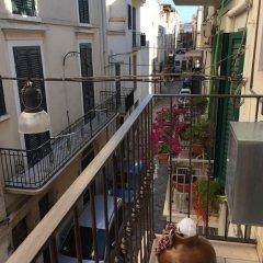 Отель Bel Poggio di Toni B&B Конверсано балкон