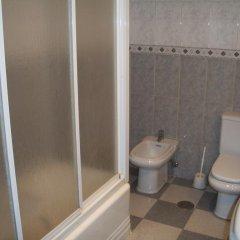 Отель Hostal Paracuellos Стандартный номер с различными типами кроватей (общая ванная комната)