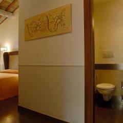 Hotel Condotti 3* Стандартный номер с двуспальной кроватью фото 9