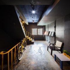 Fulfill Phuket Hostel интерьер отеля