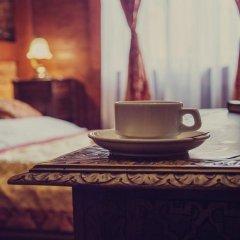 Отель Lódzki Palacyk 3* Стандартный номер с двуспальной кроватью (общая ванная комната) фото 11