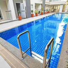 Отель The Place Pratumnak by Pattaya Sunny Rentals Таиланд, Паттайя - отзывы, цены и фото номеров - забронировать отель The Place Pratumnak by Pattaya Sunny Rentals онлайн бассейн фото 2
