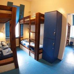 Отель Oki Doki Hostel Польша, Варшава - 1 отзыв об отеле, цены и фото номеров - забронировать отель Oki Doki Hostel онлайн сейф в номере