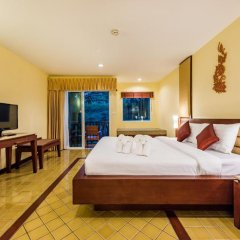 Отель Duangjitt Resort, Phuket 5* Номер Делюкс с двуспальной кроватью фото 18