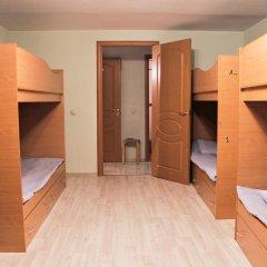Vse svoi na Bol'shoy Konyushennoy Hostel Кровать в общем номере с двухъярусной кроватью фото 3