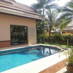 Отель Villa Chomphoo бассейн