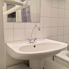 Отель Studio Purpan Франция, Тулуза - отзывы, цены и фото номеров - забронировать отель Studio Purpan онлайн ванная фото 2