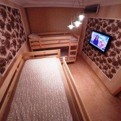 Гостиница Майкоп Сити Кровать в женском общем номере с двухъярусной кроватью фото 9
