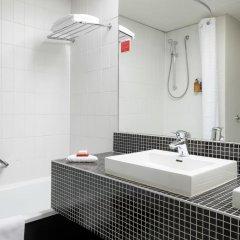 Отель Ramada Plaza Antwerp Бельгия, Антверпен - 1 отзыв об отеле, цены и фото номеров - забронировать отель Ramada Plaza Antwerp онлайн ванная фото 2