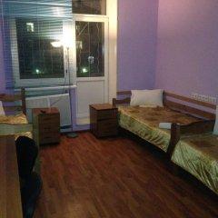 Breeze Hostel Кровать в общем номере с двухъярусной кроватью
