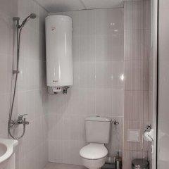 "Отель Guest House ""Momchil"" ванная фото 2"
