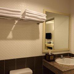 Ansino Bukit Hotel 3* Улучшенный номер двуспальная кровать фото 11