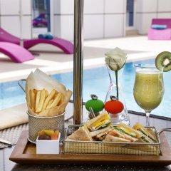 Отель Courtyard by Marriott Riyadh Olaya 4* Улучшенный номер с различными типами кроватей