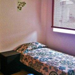 Отель Hostal Abundantia Кровать в общем номере фото 3