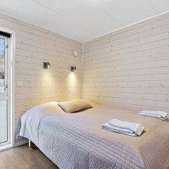 Отель Tromsø Camping Улучшенный коттедж с различными типами кроватей фото 2