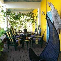 Отель Germaican Hostel Ямайка, Порт Антонио - отзывы, цены и фото номеров - забронировать отель Germaican Hostel онлайн бассейн фото 2