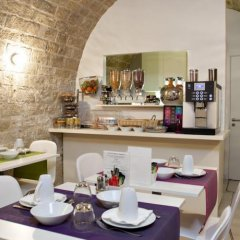 Отель Best Western Plus Elysee Secret Франция, Париж - отзывы, цены и фото номеров - забронировать отель Best Western Plus Elysee Secret онлайн питание фото 3